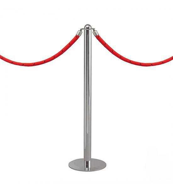 Poteau accueil chromé équipé de deux cordons rouge.