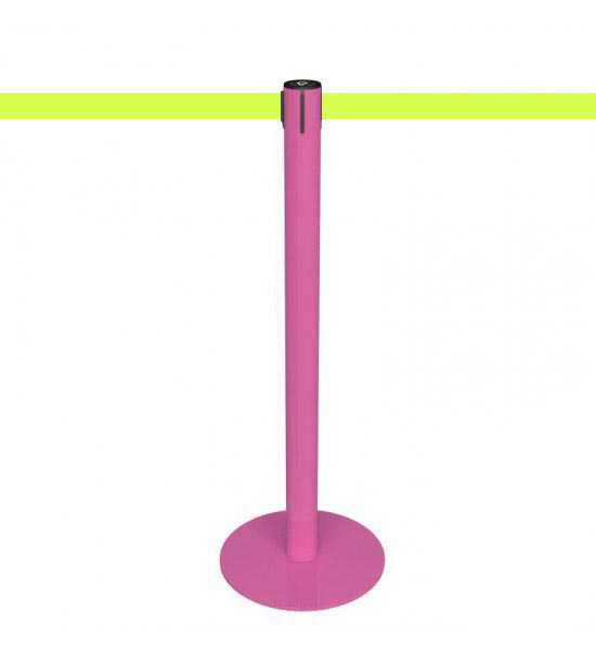 Poteau de guidage rose à sangle fluorescente